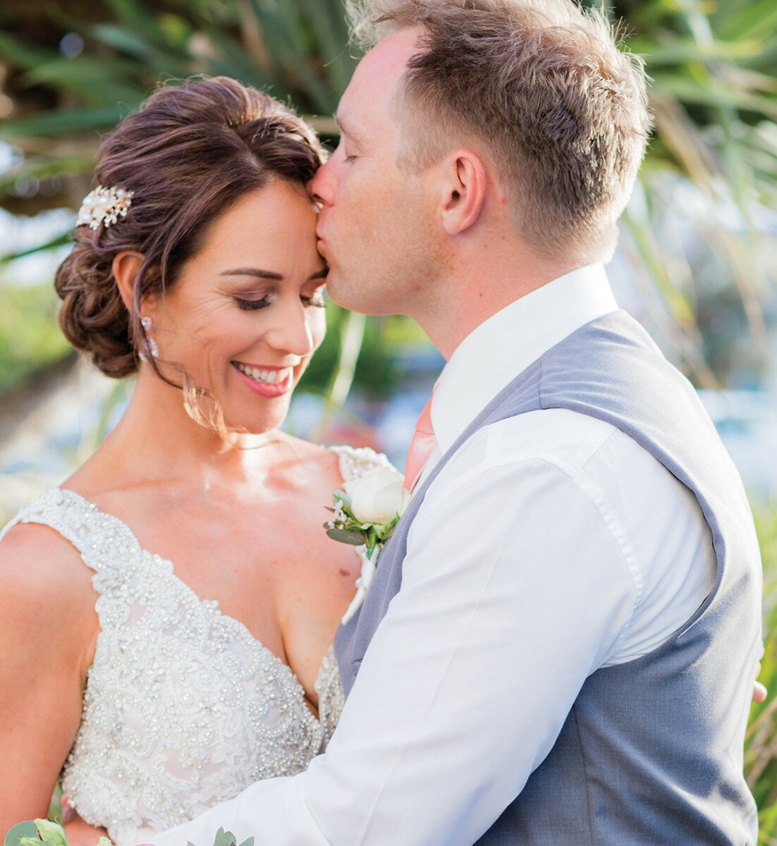 Profile Magazine Online blink Bride Guide 2018: Hair and make-up